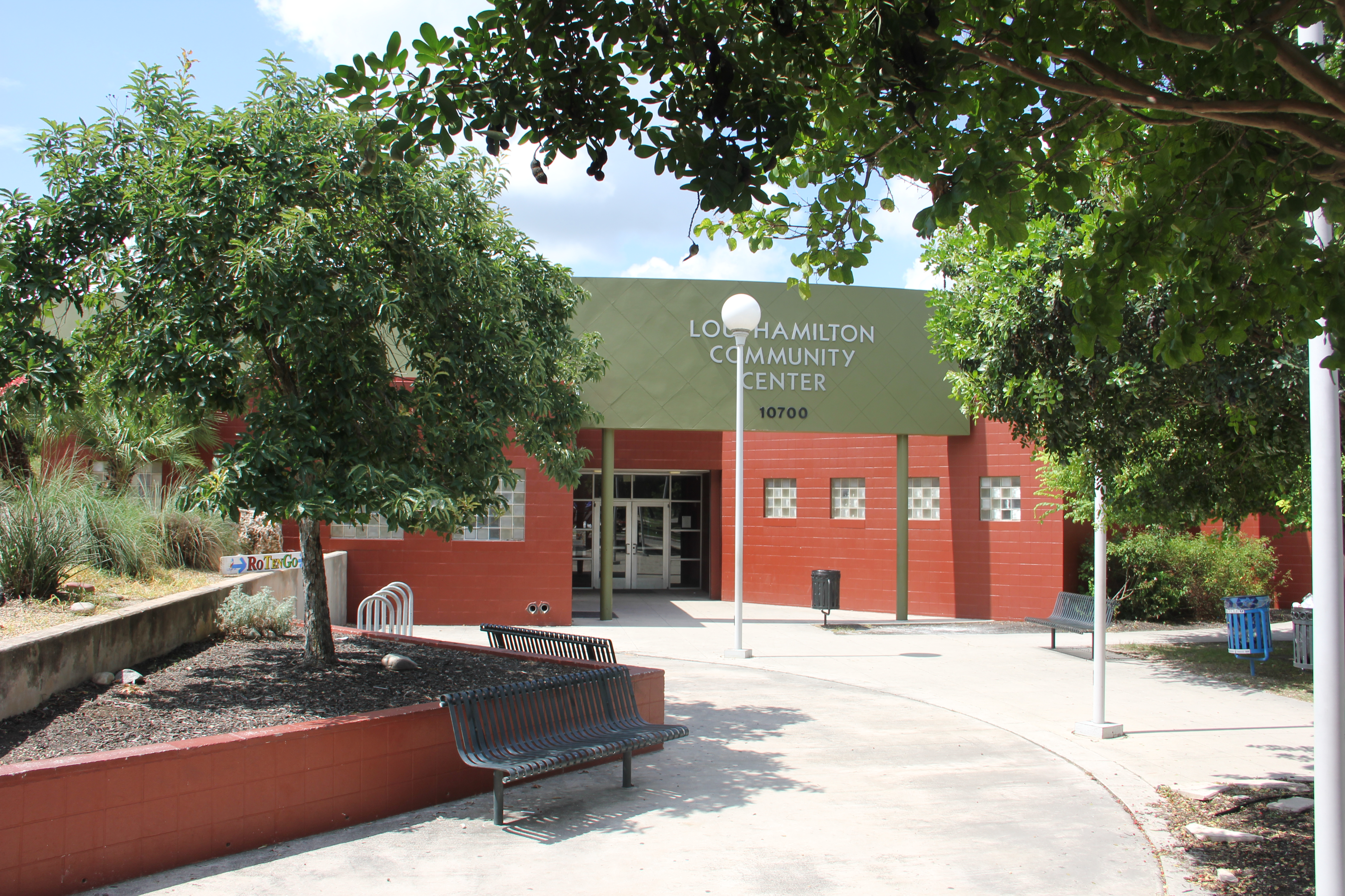 Hamilton community center the city of san antonio official city website for Hamilton swimming pool san francisco